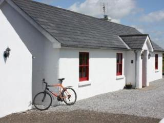 Family cottage on farm near Terryglass, Tipperary - County Tipperary vacation rentals
