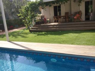 Beautiful villa with a privet pool, tel Aviv - Tel Aviv vacation rentals