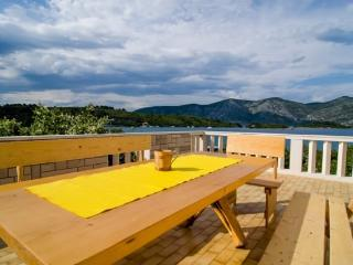 Apartment Vlaho for 8 near the sea - Racisce vacation rentals