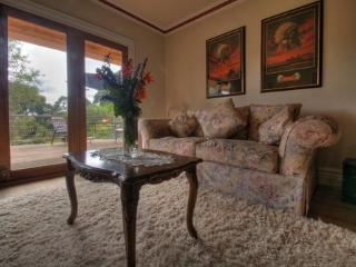 The Peppermint Springs Deluxe Suite - Daylesford vacation rentals