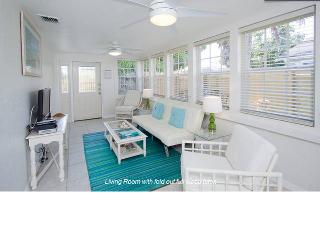 Downtown Coastal Charm - Private Cottage, Jacuzzi Tub, Beach & Walk to Downtown - Hollywood vacation rentals