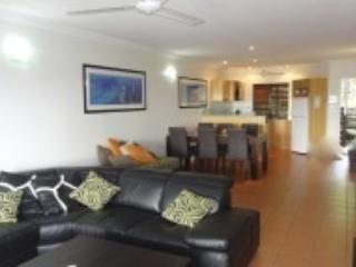 2 bedroom Apartment with Deck in Hamilton Island - Hamilton Island vacation rentals