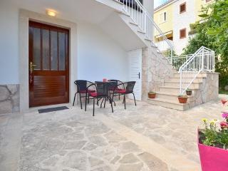 Charming 1 bedroom Apartment in Supetar - Supetar vacation rentals