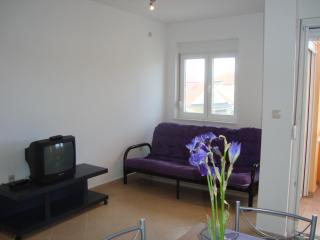 Nin, next to the beach, 2min drive to old town - Zadar vacation rentals