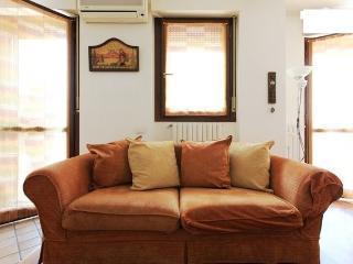 Cozy Studio Milano Naviglio Grande - Lombardy vacation rentals