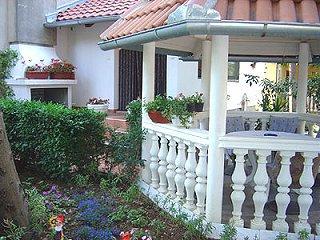 Apartments Branislav - 70401-A2 - Image 1 - Pula - rentals