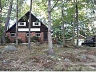 Cute 3BR House - 3BR Lakeside Home w/Hot Tub--10 min. to Gunstock! - Laconia - rentals