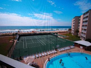 Hol. Surf & Racquet Club 416 - Book Online! Fourth Floor Pool & Gulf Views on Holiday Isle! Buy 3 nights or more get 1 FREE thru - Destin vacation rentals