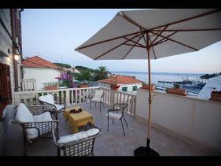 8151 H(10) - Sumartin - Sumartin vacation rentals