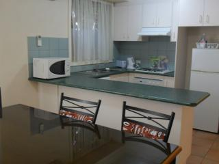 Comfortable 2 bedroom Condo in Box Hill - Box Hill vacation rentals