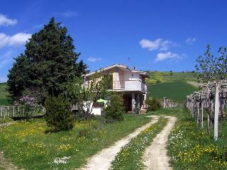 Lovely House in Bolognano with Balcony, sleeps 5 - Bolognano vacation rentals