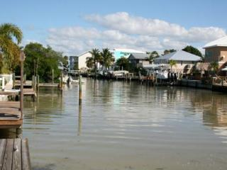 Beautiful House with Deck and Internet Access - Holmes Beach vacation rentals