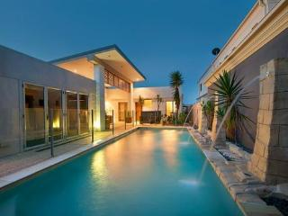 Spacious 6 bedroom Villa in Gold Coast - Gold Coast vacation rentals