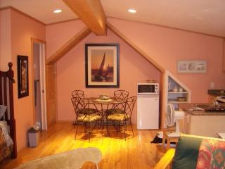 Treebear Scuba Suite in secluded Tuwanek, Sechelt! - Sechelt vacation rentals