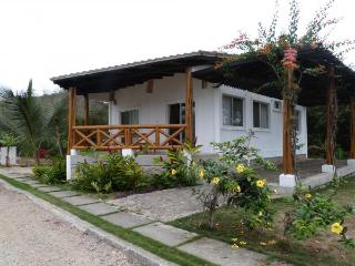 Modern Beach Cottage 2 br/1 ba w yard- Montanita - Playa de Olon vacation rentals