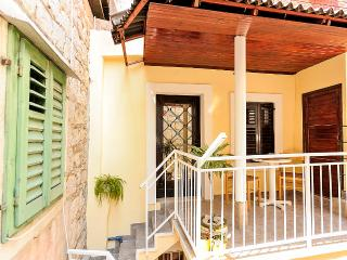 Feel the spirit of a old town! - Split vacation rentals