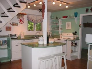 Simple, easy, comfortable MV island home - Oak Bluffs vacation rentals