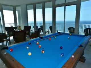 Penthouse Palace, Pool Table, GLASS, Last Minute - Gulf Shores vacation rentals