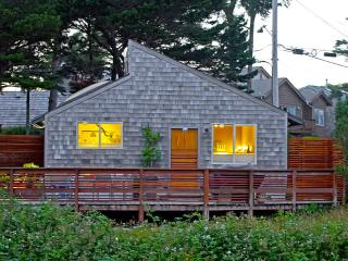 EdgewoodCove2, Unparalleled Seaside Retreat w/View - Portland vacation rentals