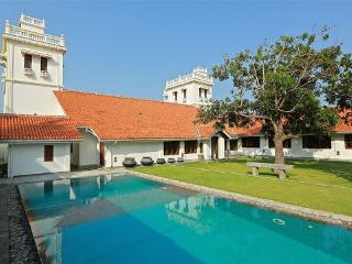 130 Yrs Heritage Villa in Front of Puttalam Lagoon - Puttalam District vacation rentals