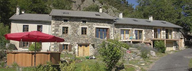 Gorgeous 4 bedroom B&B in Saint-Julien-Chapteuil - Saint-Julien-Chapteuil vacation rentals