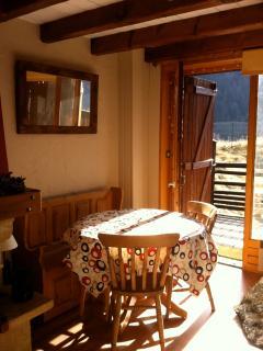 Chalet Manyetta - 4-6 adults, Paradiski - Champagny-en-Vanoise vacation rentals