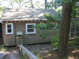 Nice Cottage with Internet Access and Grill - Truro vacation rentals