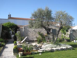 Charming House in Le Bois-Plage-en-Re with Wireless Internet, sleeps 3 - Le Bois-Plage-en-Re vacation rentals