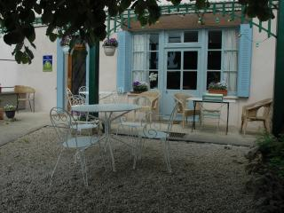 The Belle Epoque Guest House in the heart of Burgundy - Burgundy vacation rentals