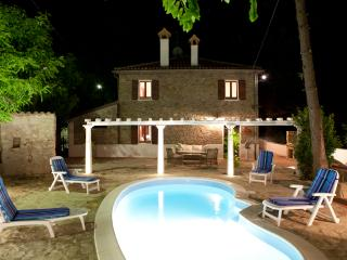 1.800 Villa with Pool near Tuscany and Marche - Emilia-Romagna vacation rentals