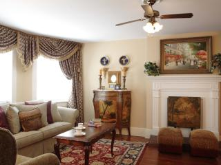 Jones Street Suites - Monterey Square Suite - Savannah vacation rentals