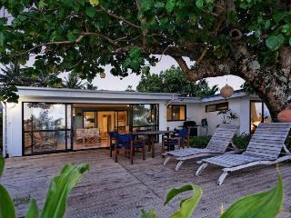 Sands Villas Beachfront: Vaka Villa - Southern Cook Islands vacation rentals