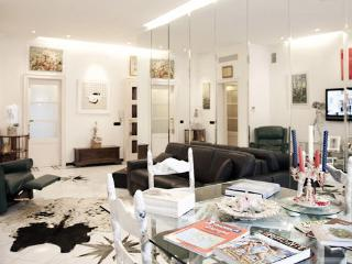 IN THE HEART OF MILAN ITALY - Milan vacation rentals