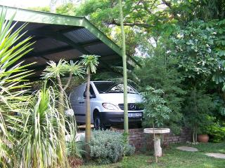 Cozy 2 bedroom Nelspruit Condo with Deck - Nelspruit vacation rentals