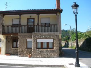 house near sea and mountains - Las Nieves vacation rentals