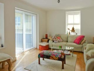 HARBOUR APARTMENT, balconies, en-suites, in Clifden, Ref. 25989 - Clifden vacation rentals