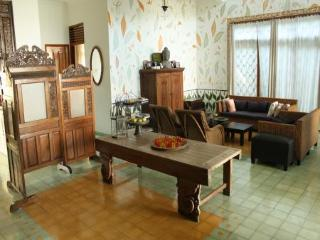 Seturan Vacation House - Java vacation rentals