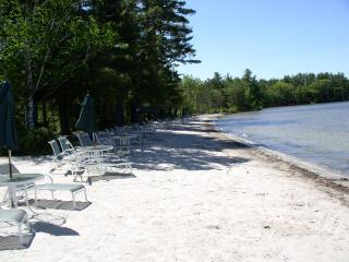 Perfect Cottage with Internet Access and Outdoor Dining Area - Alton vacation rentals