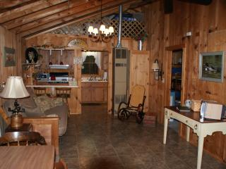 2 bedroom Cottage with Internet Access in Alton - Alton vacation rentals