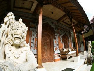 Mini Royal Balinese Palace, immerse in Bali style! - Jimbaran vacation rentals