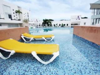 Rental near 5th Avenue and Playacar -Plaza Paraiso - Playa del Carmen vacation rentals
