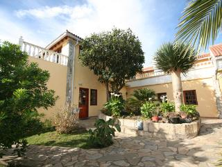 Casa Rural Finca Susanna 4 pax apartment. - La Esperanza vacation rentals