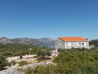 Beautiful Condo in Korcula with Short Breaks Allowed, sleeps 6 - Korcula vacation rentals