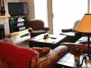 3 Bedroom 3 Full Bathroom Spacious Townhouse Unit 21, Ski in / Ski out location - British Columbia Mountains vacation rentals