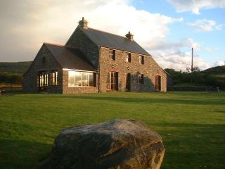 Beautiful Holiday Cottage 3 Beds with private access to the beach in Dunmanus Bay - Durrus vacation rentals