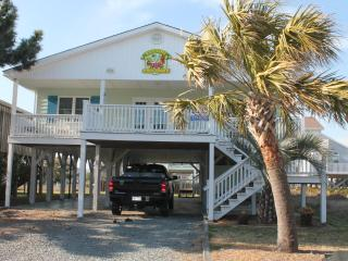 Charming Cottage - Ocean Isle Beach Gem! - Ocean Isle Beach vacation rentals