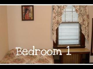 3 bdrm furnished  2nd floor Staten Island - Staten Island vacation rentals