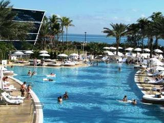 THIS WEEK AVAILABLE @ FONTAINEBLEAU & W HOTEL - Miami Beach vacation rentals