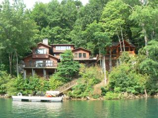 The Dock House - Luxury on Lake Nantahala, NC - Topton vacation rentals