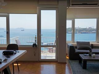 BOSPHORUS SEA VIEW, BALCONY, TAKSIM - Istanbul vacation rentals